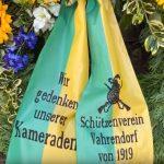 Kranzniederlegung auf dem Ehrenfriedhof